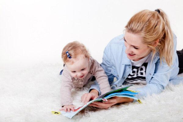 Какие сказки читать на ночь ребенку?